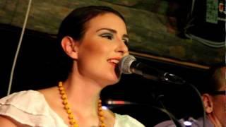 Maria Lund: Puutarhurin laulu