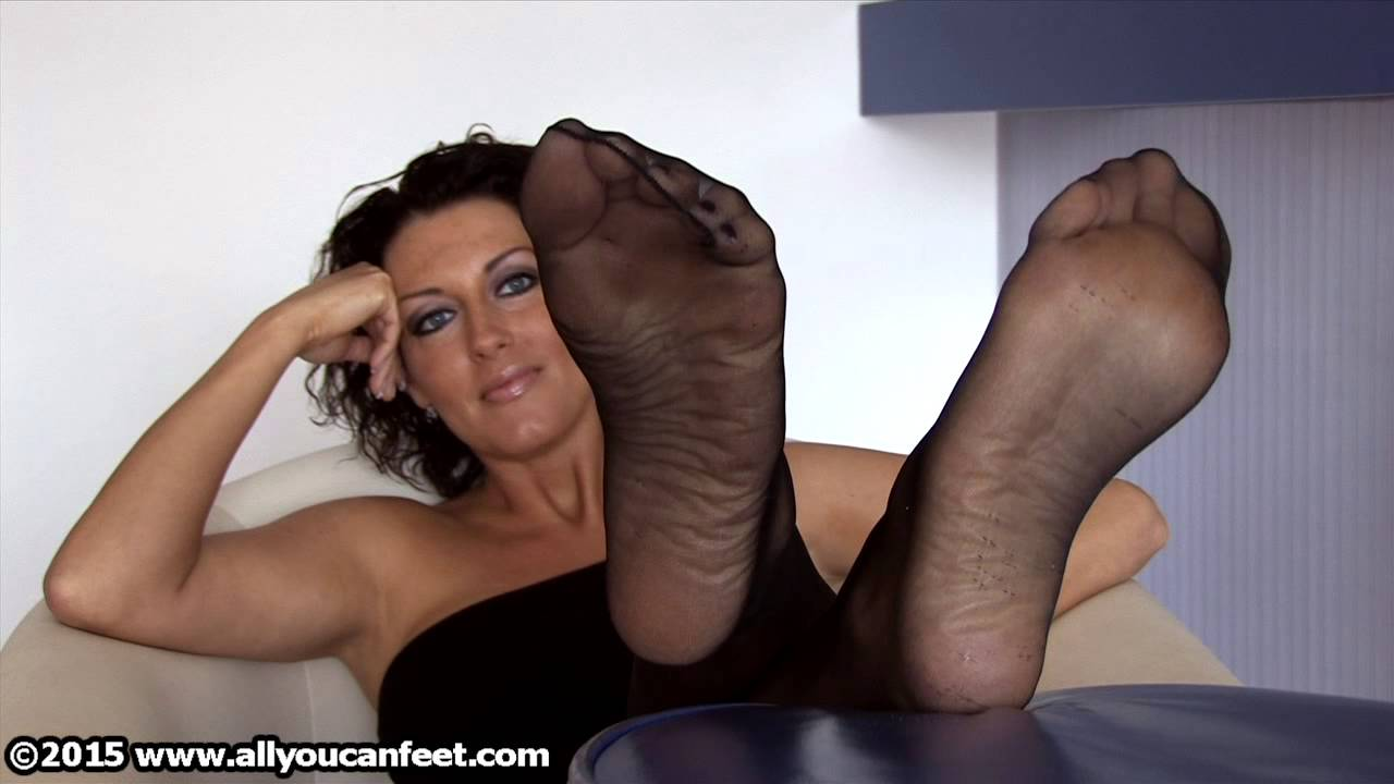 Youtube Mature Pantyhose Soles 43