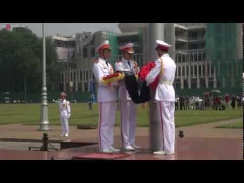 Lễ hạ cờ tại Ba Đình – Treo cờ rủ quốc tang Đại tướng Võ Nguyên Giáp
