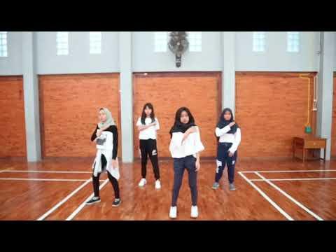 BLACKPINK - DDU DU DDU DU 뚜두 뚜두  DANCE COVER INDONESIA