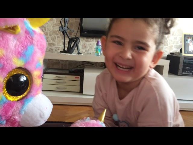 Unicorn arkada?lar?m ve Lol surpise box ile oynad?k,funny videos for kids
