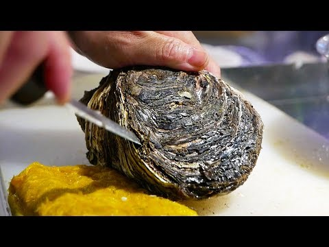 Japanese Street Food - $20 GIANT OYSTER Seafood Steak Teppanyaki Japan