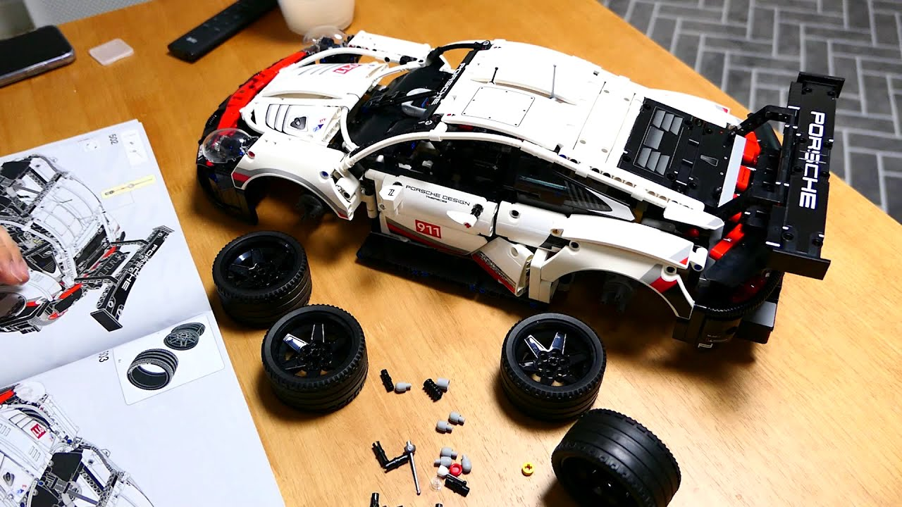 레고 테크닉 포르쉐 911 RSR (42096)