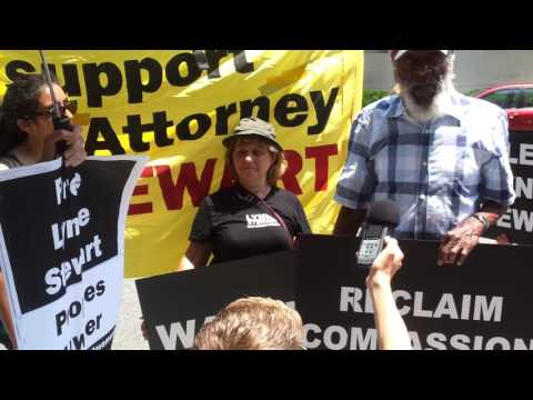 Dick Gregory speaking at a rally for Lynne Stewart's compassionate release in D.C. 06/24/2013
