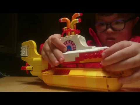 The Beatles LEGO Yellow Submarine - Pepperland
