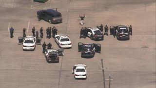 Police chase SUV through southeast Houston