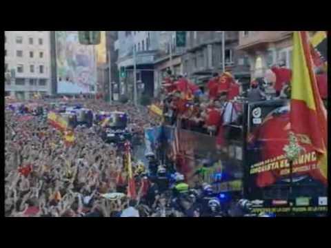 Spain World Cup team receives hero