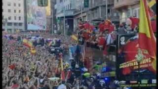 Spain World Cup team receives hero