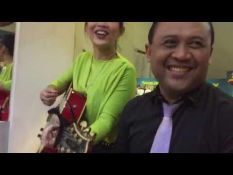 Serunya Konser Akustik Dangdut dengan Pengacara Eddy Law, Pelawak Ninik Canda dan Penyanyi Dangdut