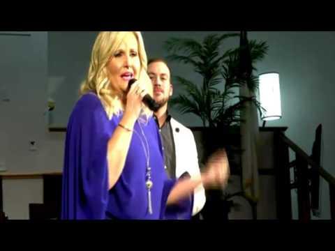 Karen Peck & New River - I Am Blessed!