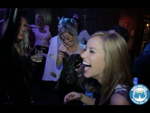Chicago Halloween Pub Crawl - Wrigleyville Bar Crawl Halloween Chi Town