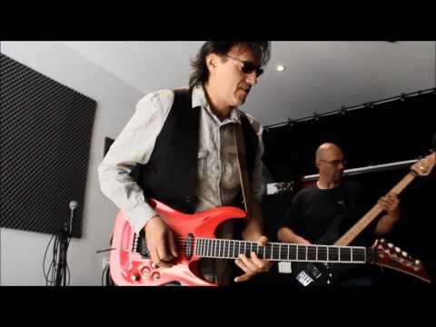 JL TORO-Can I Play The Guitar