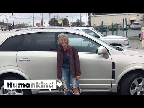 CK - VIDEO: Strangers surprise woman with a car | @Humankind