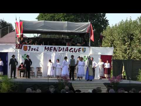 "Pastorale du Pays Basque José Mendiague 2012, ""ensemble"" von YouTube · Dauer:  5 Minuten 46 Sekunden"