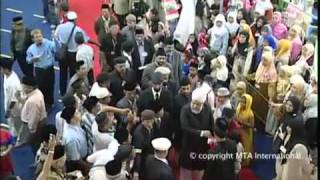 Nazm - Khilafat Ke Sao Saal Sab Ko Mubarak By Jameel-ur-Rehman Sb.