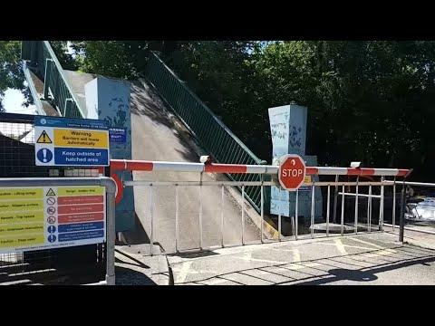 Yalding Lifting Bridge, Kent (Full Opening In Full HD 60fps) (27/05/2017)