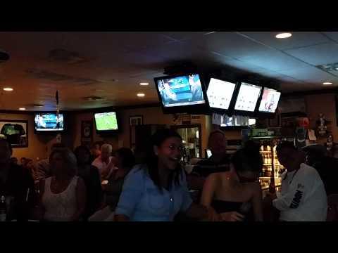 JTs Karaoke Night 11 16   Troupe 6153