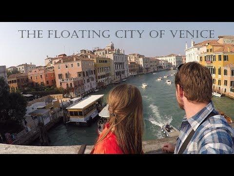 Prosecco on a Gondola in Venice