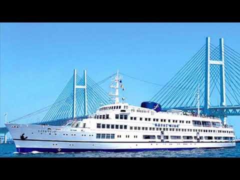 橫濱港~皇家之翼ロイヤルウイング Royal Wing小郵輪。它是一艘船上餐廳,您可以通過巡航海港,與享受美食和黃昏景象。