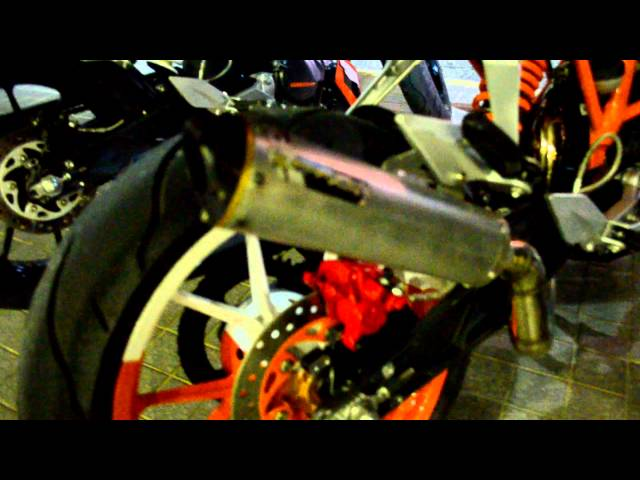 KTM Duke 200 Custom exhaust sound.