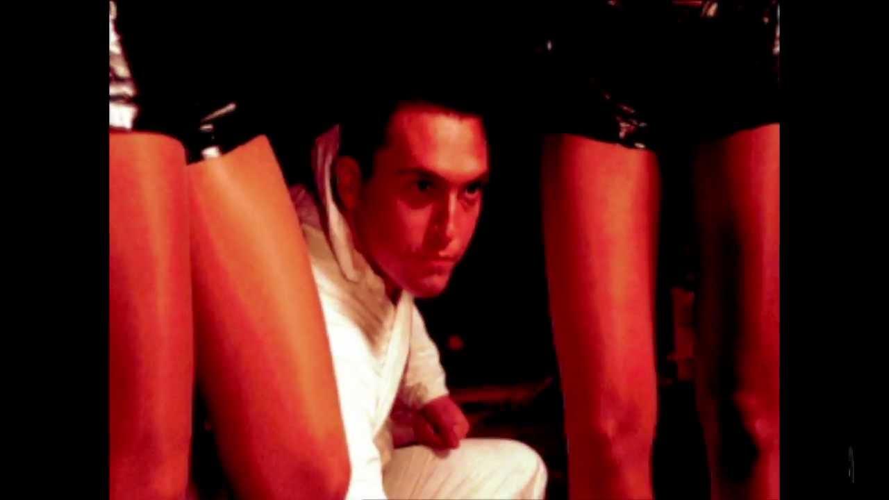 akos-majom-a-ketrecben-2002-official-video-akoxvid