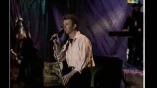 David Bowie hearts filthy lesson, strangers when we meet live, 1995