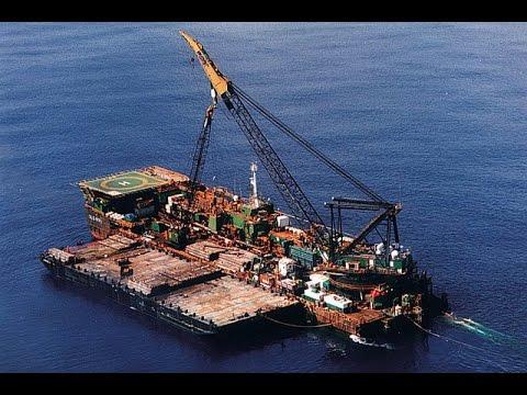 On the dock - Armada KP1 Pipelay Bardge