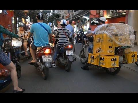 Hanoi – Rush Hour Bicycle Rickshaw Tour (Vietnam)