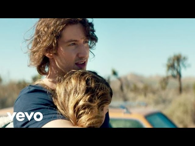 Dean Lewis – Stay Awake (Official Video)