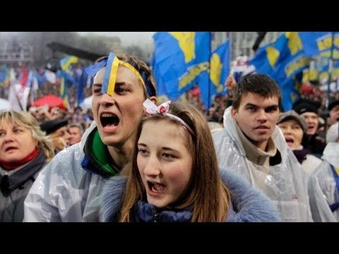 Coup or Revolution? Ukraine Seeks Arrest of Ousted President Following Deadly Street Protests (2/2)