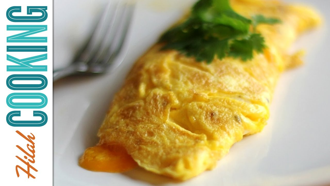 How To Make An Omelet Easy Cheesy Omelet Recipe Video Youtube