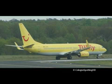 Tuifly B738 & Lufthansa B733 Take Off Cologne 14L.