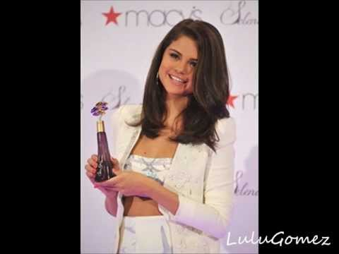 Selena Gomez @ Macy's Perfume Launch in New York City (9th June 2012)