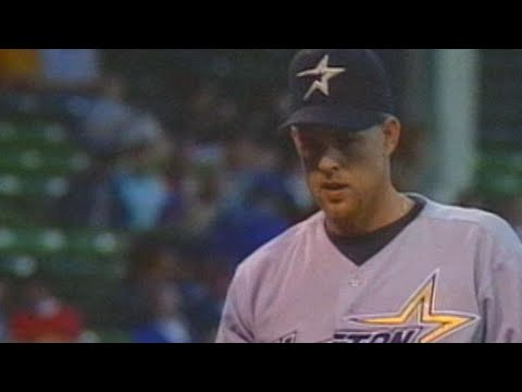 Shane Reynolds strikes out 10, duels with Kerry Wood