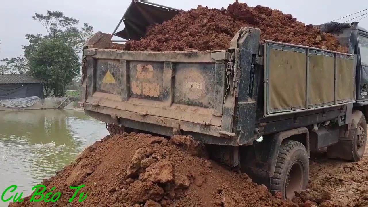 Xe ô tô ben chở đất làm đường ❤. Land truck for road construction ❤.