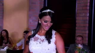 Modelos jóvenes y veteranas lucieron trajes de baño, joyas y vestidos de novias