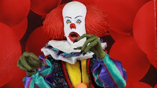 NECA TOYS IT MOVIE 1990: PENNYWISE THE CLOWN RETRO CLOTH FIGURE REVIEW