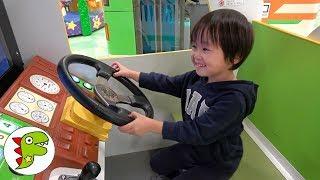Arcade game machine ゲームセンターで遊んだよ!アンパンマン号や車の乗り物❤レオ ポップコーン Toy★Kids トイキッズ thumbnail