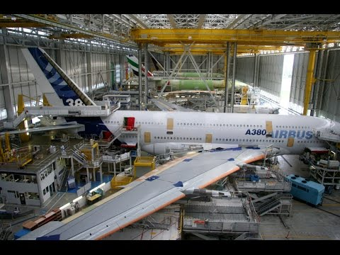 Мегазаводы. Airbus A380 (Аэробус А380). Самый большой пассажирский самолёт.