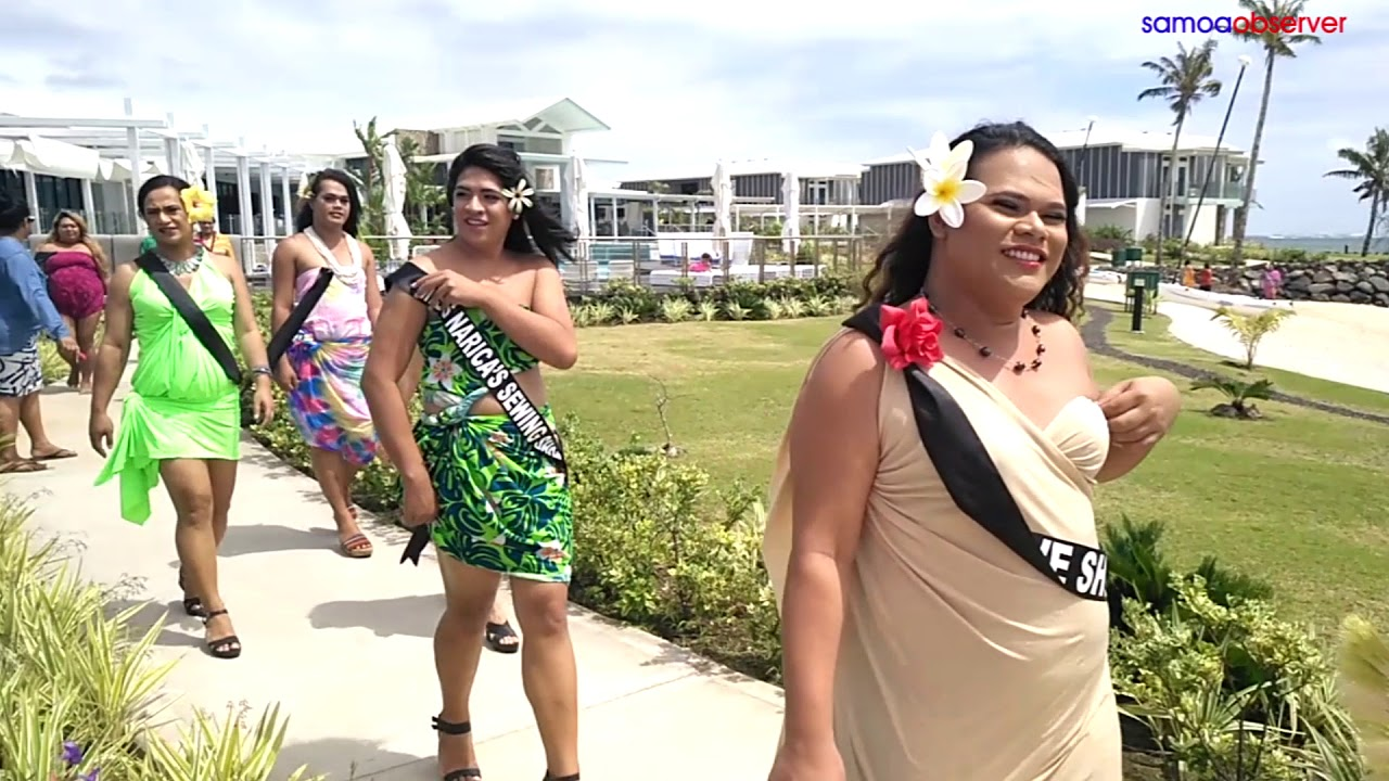 Contestants build confidence with sarong photo shoot - Dauer: 71 Sekunden
