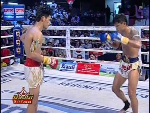Professional Muay Thai Boxing from Rangsit Stadium on 2014-11-01 at 3pm