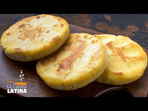 colombian-arepas---arepas-stuffed-with-cheese