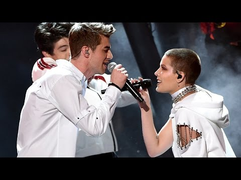 "Thumbnail: The Chainsmokers & Halsey Flawlessly Perform ""Closer"" At The 2016 AMAs"