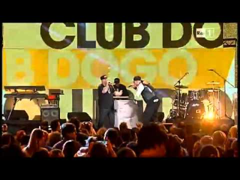 Club Dogo @ CCCampania 10/09/2014 feat. Mediaworld from YouTube · Duration:  2 minutes 28 seconds