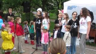 Киев: Детские Песни и Гимн, Детский праздник на Ленинградской площади, 18 мая 2014 г.