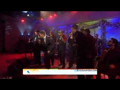"2010-11-29 - Michael Buble @ The Today Show ""Some Kind Of Wonderful"""