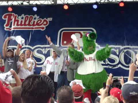 Harry Kalas sings High Hopes - 2008 NLDS Rally (Full Song)