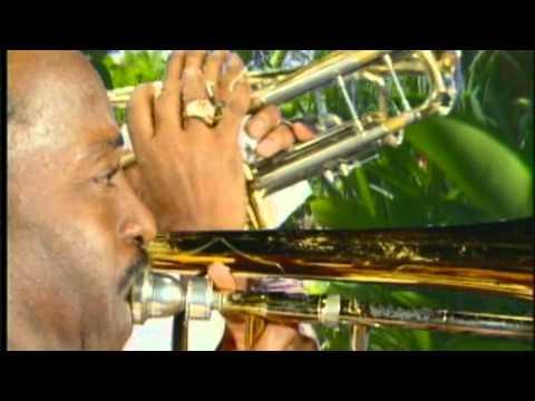 BYRON LEE AND THE DRAGONAIRES - HAND INNA DE AIR - (MUSIC VIDEO)