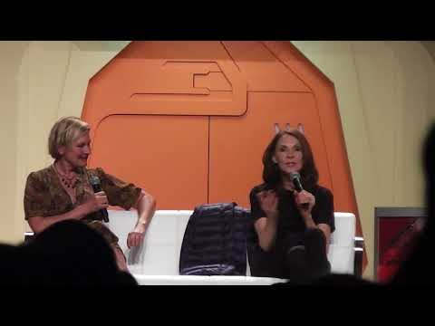 Gates McFadden and Denise Crosby at the 2017 Star Trek Convention