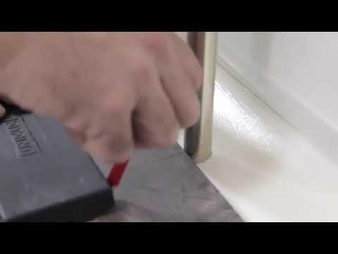 видео: Укладка ламината своими руками пошаговая инструкция видео